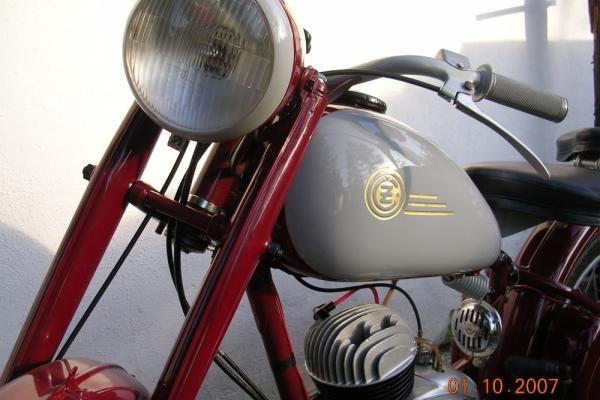 potopa-motorky-06229ED2A0C-8A40-73E5-1B89-4BFC12A7695D.jpg